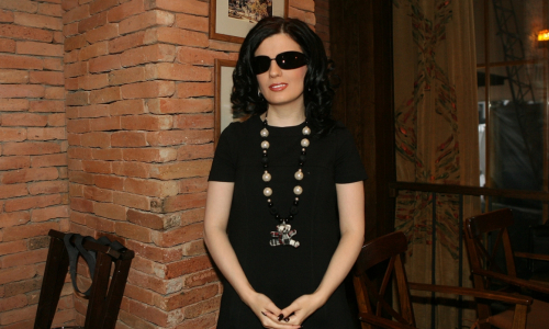 Пиарщица Началовой заявила, что знает причину слепоты Гурцкой