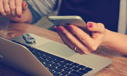 Россиян предупредили о крупной атаке на счета с помощью перехвата СМС с кодами авторизации