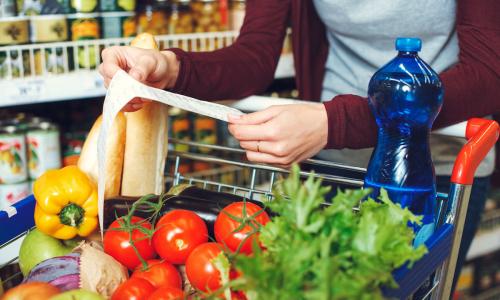 Названы самые быстро дорожающие продукты