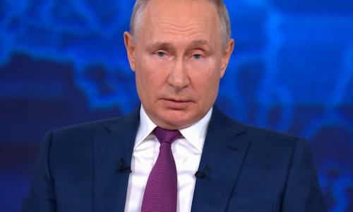 Путин ответил пенсионерам, получившим квитанции ЖКХ по 50-70 тысяч рублей